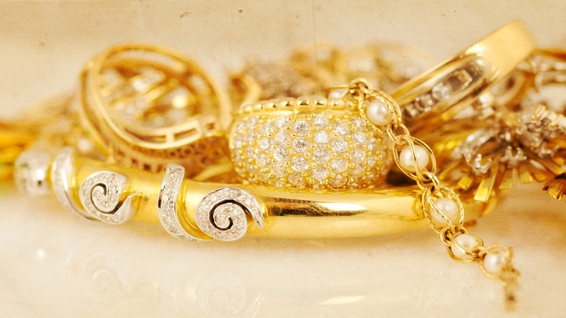 What to Look For When You Sell Your Estate Jewelry?