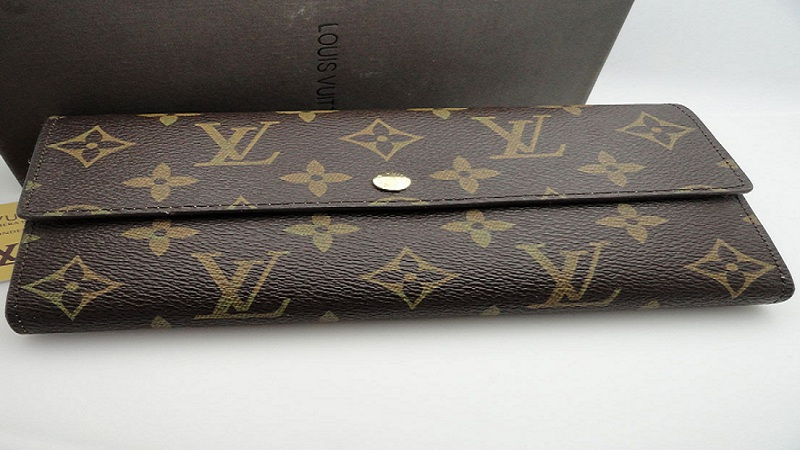 Tips for Selling a Used Louis Vuitton Wallet